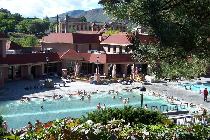 glenwood hot mineral springs