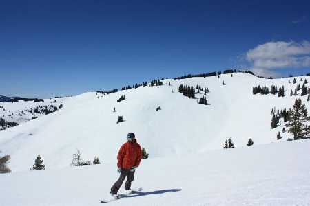 Skiing Vail bowls